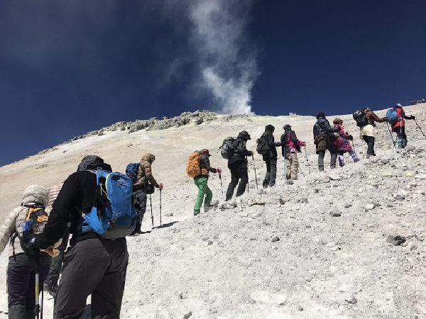 Climbing mount Damavand - Iran