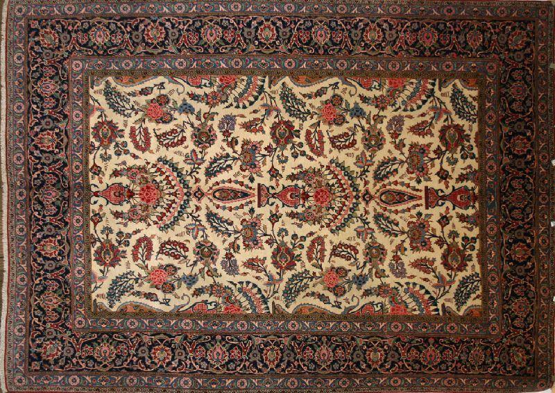 Carpet weaving in Kashan