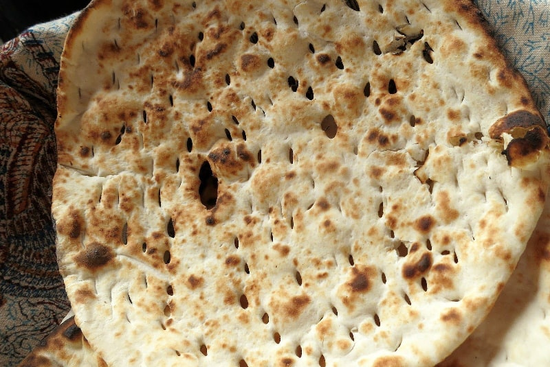 Taftoon bread -  bread that you should try in Iran
