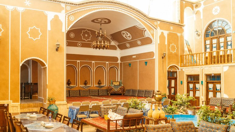 Firoozeh Traditional Hotel - Yazd