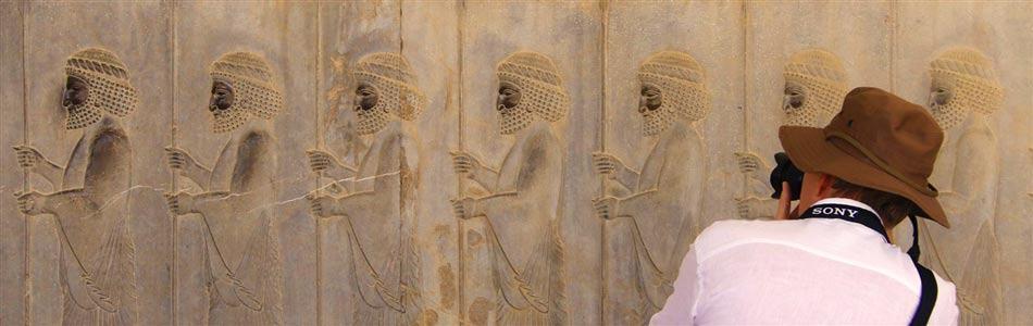 The Achaemenid day