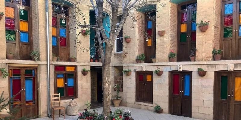 Top Hostels in Shiraz